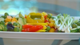 Embedded thumbnail for How To Make A Veggie And Dip Appetizer